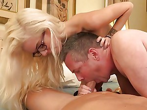 Halle Vons spouse tonguing man-meat