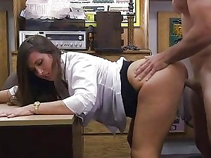 Meaty booty unexperienced smashed by pawnkeeper