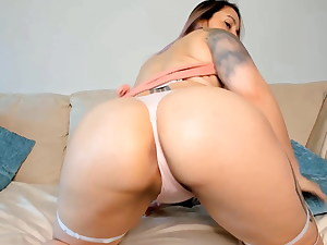 Dirty sexdoll Cyienna is well-prepped to have some xxx fun