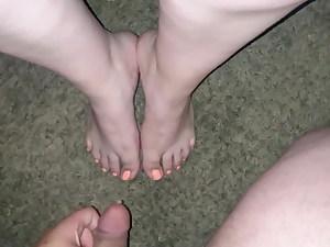 Latina slut lets me shoot my cum all over her fantastic feet (Cum