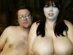 BBW wife gets her pussy jammed with toy by spouse