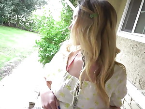 Blond stunner Nikole Nash heads on rough fuck-fest first rendezvous